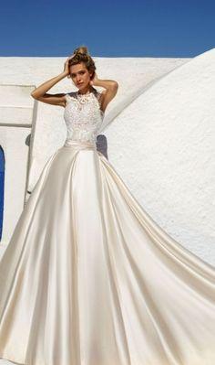 Featured Dress: Eva