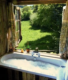Outdoor Tub, Outdoor Decor, My Dream, Bathtub, Windows, Studio, Bathroom, Tubs, Home Decor
