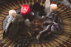 Wie du dank den Rauhnächten das alte Jahr kraftvoll abschliessen und dich für deine Visionen öffnen kannst. • herzbauchwerk.ch Alter, Feel Good, Ethnic Recipes, Advent, Food, Magic, Give Thanks, Night, Essen