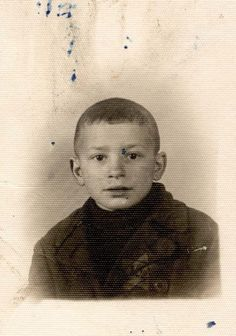 (04/01/1933) Bedzin Poland (1942) sadly murdered at Auschwitz 9 years old