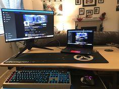 Computer Love, Computer Setup, Laptop Gaming Setup, Feng Shui Master, Game Room Kids, Living Room Setup, Gamer Room, Pc Gamer, Feng Shui Tips