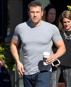 Ben Affleck showed off his abs in a tight T-shirt on Jan. 6.