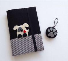 Köpek Figürlü Keçe Kitap Kılıfı ve Anahtarlık Seti