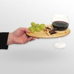 wow wine and snacks with one hand!!
