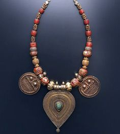 Necklace   Amrapali Designs.  From their traditional series; taking inspiration from old Indian jewellery designs.