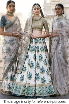 Marriage special digital painted bridal lehenga choli crafted from fine art silk fabric and sequence embroidery work on the whole outfit. Graceful looking lehenga gives you the touch of Bollywood style. Indian Bridal Outfits, Indian Bridal Lehenga, Indian Bridal Wear, Indian Designer Outfits, Indian Sarees, Indian Dresses, Modern Saree, Lehenga Designs, Lengha Design