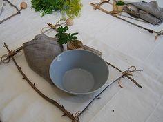 DIY- Puukeppikehykset kattauksessa - Humua -kaikkien juhlien ideapankki Planter Pots, Table Settings, Diy, Bricolage, Place Settings, Do It Yourself, Homemade, Diys, Tablescapes