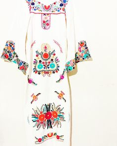 Bohemian Embroidery Handmade Mexican embroidered dresses and vintage treasures from Aida Coronado Mexican Wedding dress A heart in every piece Mexican Embroidered Dress, Mexican Embroidery, Vintage Embroidery, Embroidery Dress, Embroidery Patterns, Embroidered Dresses, Hand Embroidery, Mexican Dresses, Mexican Clothing