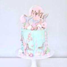 Baby Girl Birthday Cake, Mermaid Birthday Cakes, Cute Birthday Cakes, Beautiful Birthday Cakes, Barbie Birthday, Mermaid Cakes, Birthday Parties, Bolo Lady Bug, Mermaid Birthday Party Decorations Diy
