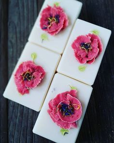 100% coconut oil soap. Love the simplicity of this recipe.