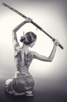 Log in - samurai sword Samurai Girl, Female Samurai, Samurai Warrior, Samurai Tattoo, Yakuza Style Tattoo, Tattoo Mafia, Body Art Tattoos, Girl Tattoos, Tattoo Arm