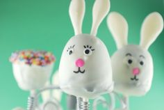 CAKE ON THE BRAIN: EASTER BROWNIE POPS