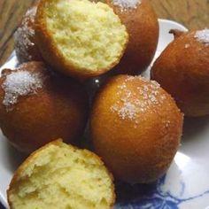 Buñuelos dulces Recipe by Mirta P - Key Ingredient Donut Recipes, Mexican Food Recipes, Sweet Recipes, Cookie Recipes, Dessert Recipes, Desserts, Bunuelos Recipe, Argentina Food, Venezuelan Food
