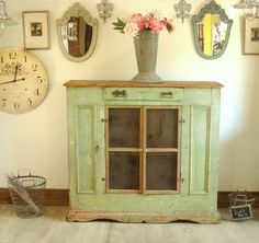 love this green 1800s pie safe via   primitiverughooking.typepad.com