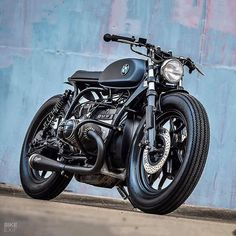 This particular indian motorcycle bobber is certainly an outstanding design philosophy. Custom Cafe Racer, Cafe Racer Bikes, Cafe Racer Build, Cafe Racers, Bmw Motorbikes, Bmw Motorcycles, Indian Motorcycles, R Cafe, Cafe Bike