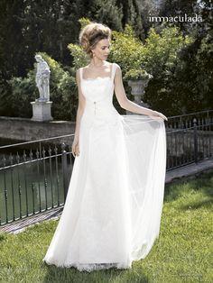 Klassisches Brautkleid im Vintage-Look - Jetzt nachsehen bei weddix.de!
