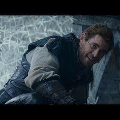 #TheHuntsman #WintersWar #MSR  #ChrisHemsworth as #TheHuntsman / #Eric #Action #adventure #Drama #bow #arrow #fantasy #dwarf #queen #huntsmen #winter #north #April #2016 #movies #moviephoto  @jessicachastaindaily @chastainiac @chrishemsworth