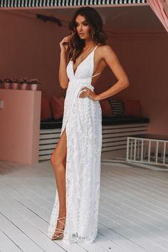 Year 10 Formal Dresses, Long White Summer Dresses, White Formal Dresses, Beautiful White Dresses, Cute Wedding Dress, Wedding Reception Dresses, Boho Beach Wedding Dress, White Sundress Wedding, White Bridal Shower Dress