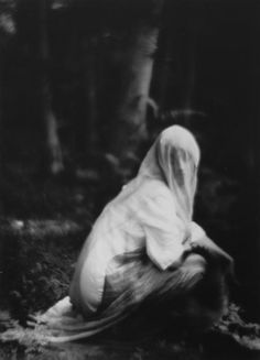 Imogen Cunningham, Veiled Woman (1910-1912)