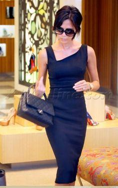 luvrumcake: Beckham design w/Chanel handbag