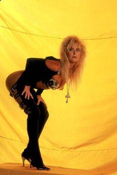Female Guitarist, Female Singers, Rock And Roll Girl, Hair Metal Bands, Heavy Metal Girl, Chica Fantasy, Lita Ford, Women Of Rock, Rocker Chick