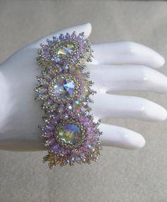 Swarovski rivoli Crystal Burst Bracelet by SuesBeadsnPieces