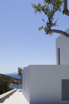 John Pawson - Paros House III nears completion Minimalist Architecture, Amazing Architecture, Interior Architecture, John Pawson Architect, Outdoor Living, Indoor Outdoor, Paros, Interior Exterior, Modern Design