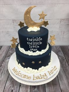 Black and gold cake Cute Baby Shower Ideas, Boy Baby Shower Themes, Baby Shower Cakes, Baby Shower Decorations, Shower Bebe, Baby Boy Shower, Space Baby Shower, Baby Gender Reveal Party, Star Cakes
