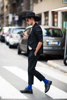 Wide-brimmed hat and the over-all look