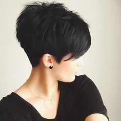 Short Sassy Haircuts, Edgy Haircuts, Cute Hairstyles For Short Hair, Fringe Hairstyles, Easy Hairstyles, Curly Hair Styles, Pixie Haircuts, Trendy Hair, Hairstyle Ideas