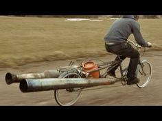 Una bicicleta a reacción - http://frikilogia.com/una-bicicleta-a-reaccion/   Tiempo libre, una bici, unas turbinas, una bombona de gas, un mechero. mucha felicidad