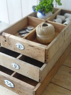 numbered flat crates