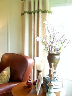 A great tutorial on making Drop Cloth Curtains for the non Decorator (the ultimate frugal ideas).