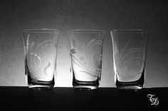 Set of 3 Glass Hand Engraved di TreDesium su Etsy
