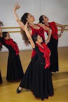 Flamenco Class   Flickr - Photo Sharing!