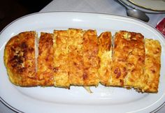 Sajttal rakott hús Quiche, Macaroni And Cheese, French Toast, Dishes, Breakfast, Ethnic Recipes, Foods, Apartment Master Bedroom, Home Ideas Decoration