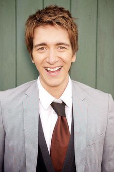 (FC: Oliver Phelps) Hello, I'm Oliver, and I'm 21 and single. My twin brother Matt and I run the joke shop in town. As well, Jem and Clara are my cousins. Introduce?