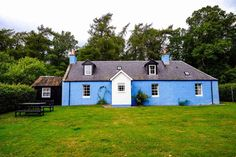 Places to stay in Scotland - luxury log cabins to boutique hotels Luxury Lodges Scotland, Scotland Hotels, Cottages Scotland, Scotland Hiking, Scotland Road Trip, Scotland Travel, Luxury Log Cabins, Hut House, Cairngorms National Park