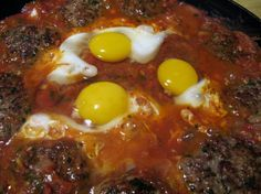 Cucina marocchina: Tajine kefta con uovo e pomodoro