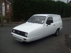 1985 Reliant Rialto 2 van - LOL - but I like it in a funny way - if it was closer to home....