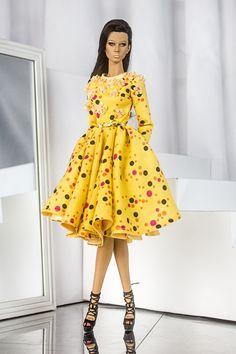DeMuse Doll 16 inches fashion doll