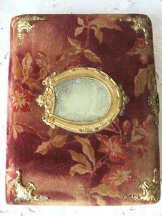 Bella Rosa Antiques: Victorian Horseshoe Photo Album