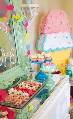 Great birthday party decorations are waiting for you in this gallery.
