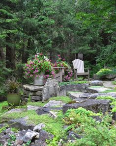 Three Dogs in a Garden: A Garden in the Most Unlikely of Places - Garden Types Landscaping A Slope, Landscaping With Rocks, Garden Types, Porches, Landscape Design, Garden Design, Gardens Of The World, Most Beautiful Gardens, Woodland Garden