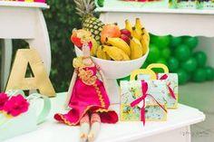 Festa Infantil – Tema tropical com inspiração em Carmem Miranda