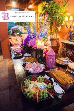 Cálida mesa de postres estilo Mexicano por www.bougainvilleabodas.com.mx Bodas San Miguel