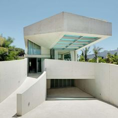 """Located along the #Mediterranean in Marbella, Spain, Jellyfish House flaunts a swimming pool cantilevered from its roof"""