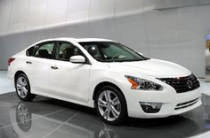 The 2017 Nissan Altima Hybrid Version Will Probably Come With A More Modern And Sleeker Exterior Design Using Lightweight Materials Which Help To