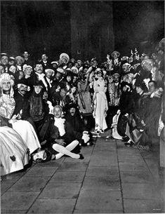 Festa della Marchesa Luisa Casati (in abito Leon Bakst). Venezia, 1913
