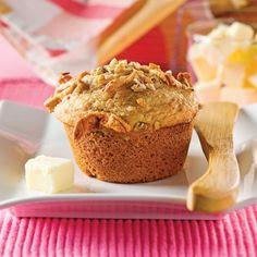 Ces muffins santé surprennent! La compote de pommes les rend tendres et savoureux. En laissant tomber les noix, on obtient également une collation extra pour la boîte à lunch des enfants. Healthy Muffins, Healthy Sweets, Healthy Dessert Recipes, Muffin Recipes, Apple Recipes, Sweet Recipes, Bran Muffins, Breakfast Muffins, Croissants